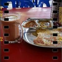 Photo taken at Restoran Jahangeer by saiful a. on 4/16/2013