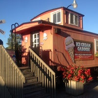 Photo taken at Moser's Ice Cream Caboose by Petio I. on 9/7/2014