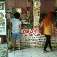 Photo taken at Siomay Bandung Ibu Marlina by Putri M. on 1/3/2013
