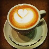 Photo taken at Cafés El Magnífico by Sara-Maria on 3/11/2013