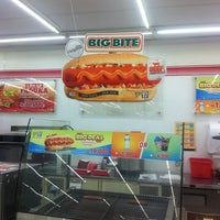 Photo taken at 7-Eleven by Irvan e. on 7/13/2016