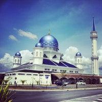 Photo taken at Masjid Abdullah Fahim by NaJib A. on 2/15/2013