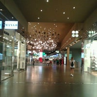 Photo taken at The Style Outlets by Alanqtimporta on 5/6/2013