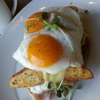 Photo taken at Over Easy Breakfast by Ron C. on 11/14/2012