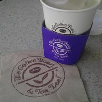 Photo taken at The Coffee Bean & Tea Leaf by ✈--isaak--✈ on 11/21/2012