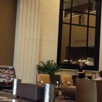Foto tomada en DoubleTree by Hilton Hotel Chicago O'Hare Airport - Rosemont por Karyn  @konorth O. el 5/2/2013