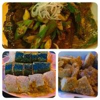 Photo taken at PJ Charcoal Fried Hokkien Mee by Tan Chou Yee on 8/9/2014