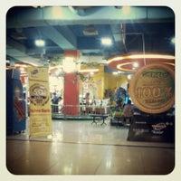 Photo taken at KFC by Dewi A. on 9/14/2013