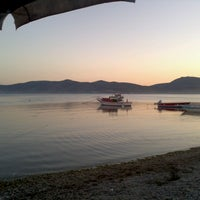 Photo taken at Akkum Liman, Ozbek Koyu by Mert U. on 6/23/2013
