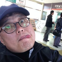 Photo taken at 중마터미널 by Hoechang Y. on 10/18/2013