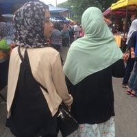 Photo taken at Pasar Malam Jalan Kuching by Ewan S. on 6/22/2016