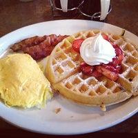 Photo taken at Perkins Restaurant & Bakery by Mariana S. on 6/2/2013