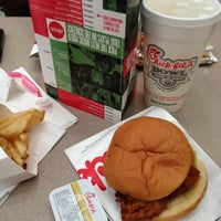 Photo taken at Chick-fil-A Lenox Square by Gerald C. on 12/7/2012