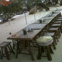Photo taken at เกาะมันกลาง by ซีซี ดับเบิ้ลโอม on 1/12/2013