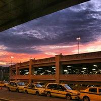 Photo taken at Aeroporto Internacional do Rio de Janeiro / Galeão (GIG) by Mário Eduardo R. on 6/30/2013