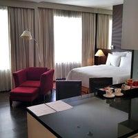 Photo taken at Sukhumvit Park, Bangkok - Marriott Executive Apartments by Chang W. L. on 10/30/2015