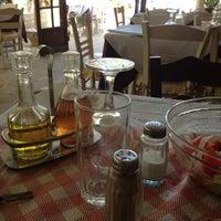 Photo taken at Ο Γιάννης by Sakis K. on 10/14/2012