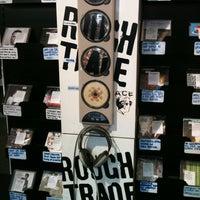 Das Foto wurde bei Rough Trade Records (West) von Andrew W. am 11/11/2012 aufgenommen