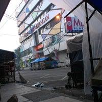 Photo taken at Plaza Parahyangan by Ryan F. on 3/28/2013