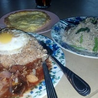 Photo taken at Restoran Emas Tika by Farahin H. on 2/28/2013