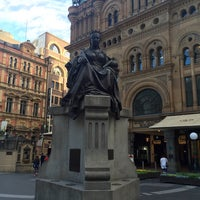 Photo taken at Queen Victoria's Statue by PT on 9/14/2016