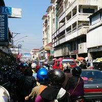 Photo taken at Jalan Otto Iskandardinata by fendy on 8/4/2013