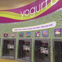 Photo taken at Menchie's Hitteen by Laila K. on 8/29/2014