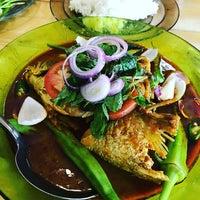 Photo taken at Restoran Minah by Faizal A. on 11/26/2016