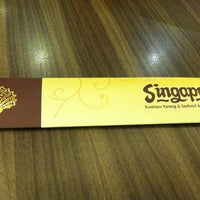 Photo taken at Singapore Kwetiaw Kerang & Seafood by Edwin S. on 3/21/2014
