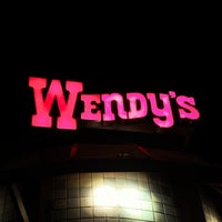 Photo taken at Wendy's by Oscar Mauricio A. on 6/30/2013