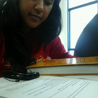 Photo taken at Perpustakaan Mandiri Universitas Al Azhar Indonesia by Annastasia Mahar on 3/15/2013