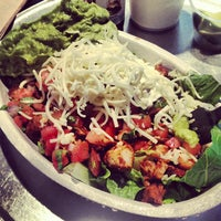 Photo taken at Chipotle Mexican Grill by Stephanie C. on 6/5/2013