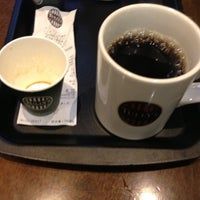 Photo taken at TULLY'S COFFEE トレアージュ白旗店 by yuka r. on 11/17/2012