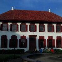 Photo taken at Gedung Arsip Nasional by Hendrik M. on 12/29/2015