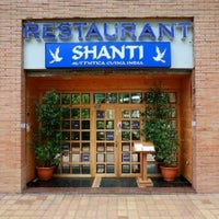 Photo taken at Indian Restaurant Shanti by Harjit S. on 7/28/2011