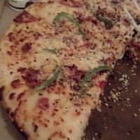 Photo taken at Pizza Hut by Carmen Sandiego 👢👣👣💄🗽 on 9/5/2012