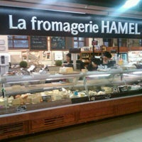 Photo taken at La Fromagerie Hamel by Darcy on 3/6/2011