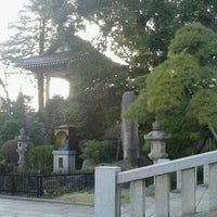 Photo taken at 東福寺 by Toshiro I. on 4/2/2012