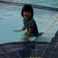 Photo taken at Swimming Pool Hotel Tiara by Yeni Yesa W. on 11/13/2011