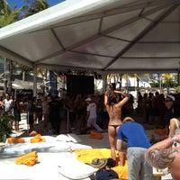 Photo taken at Nikki Beach Miami by Meedo .. on 3/22/2012