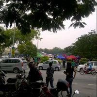 Photo taken at Bazaar Ramadhan Seksyen 7 by Azlan L. on 8/4/2012