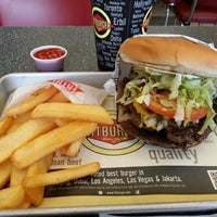 Photo taken at Fatburger by Teddy S. on 10/26/2013