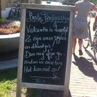 Photo taken at Het Armhuis by Raymond K. on 8/7/2014