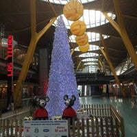 Photo taken at Terminal 4 Satélite by Dave M. on 12/10/2012