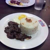 Photo taken at Rufo's Famous Tapa by Arnae Bei L. on 7/22/2014
