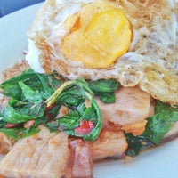 Photo taken at Katak Kitchen by bojaebearyun on 4/2/2014