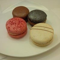 Photo taken at Canelé Pâtisserie Chocolaterie by Chris L. on 12/28/2013