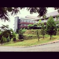 Photo taken at Universitas Gunadarma by Annisa Farrasyifa G. on 9/10/2013