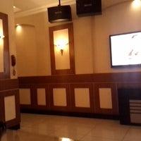 Photo taken at SukaSuka Karaoke Keluarga Dangdut by Hady R. on 11/18/2013