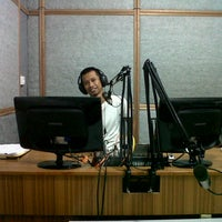 Photo taken at Harmoni Takalar 97.0 FM by Yopi H. on 5/13/2013